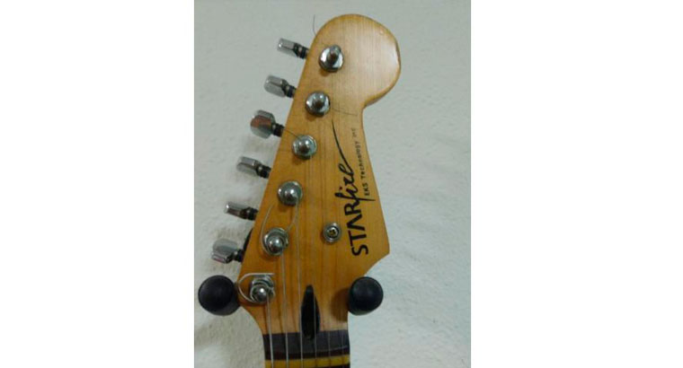 Guitarra eléctrica tipo stratocaster