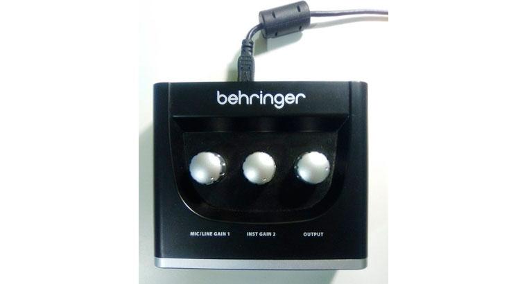Interface audio USB – Bheringer UM2